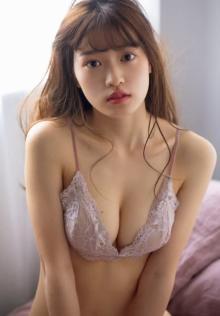 現役女子大生ユニット「キャンパスクイーン」岩本愛未、フレッシュビキニ披露