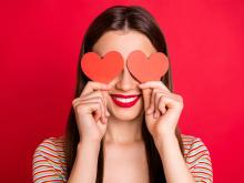 男性が想定外に惚れる「ストライクゾーン外の女子」3つの条件