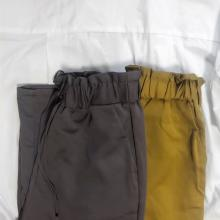 GUの「サテンパンツ」の履き心地にやられました。大人上品なカラー展開も見逃せないって噂なんです◎