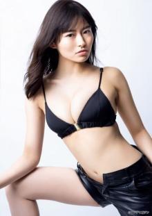 ミスマガ「審査員特別賞」桜田茉央、ハリウッド女優になりきり 華麗なドレス姿も披露