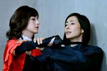 『あまんじゃく2』木村多江vs松本若菜、綺麗で奇怪なアクション対決