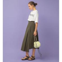 ペディキュアも映える夏の足元♡ダークブラウンにライムカラーの差し色が効いたTeva×emmiの別注モデルに注目
