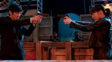 """映画『奥様は、取り扱い注意』""""最強夫婦""""の場面写真公開 ドラマ版はきょう深夜から再放送"""