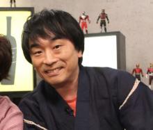 """声優・関智一""""秘密基地""""ついに公開で話題 CD&DVD、フィギュアなどお宝だらけ"""