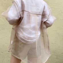 上品な透け感がかわいすぎるんです♡流行りのシアーシャツは「who's who Chico」のニュアンスカラーに決まり♩