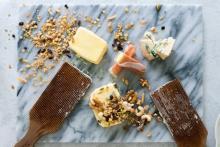 """「カノーブル」の食べるバターが進化!ナッツやチーズと合わせた""""大人のグルメバター""""は家飲みのおともにぴったり♡"""