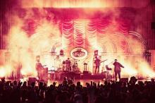 "King Gnu、昨年ツアー映像をYouTubeで""2本立て""公開"