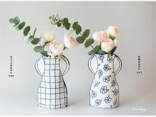 初の日本製!マリアンヌ・ハルバーグ「瀬戸焼の花瓶」が発売中