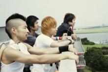 中村倫也、金髪姿のバンドマンで映画初主演 『SPINNING KITE』きょう深夜に地上波初放送