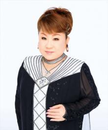 天童よしみ×大阪桐蔭高校吹奏楽部、リモート共演で「川の流れのように」披露
