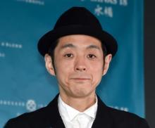 宮藤官九郎、レギュラーラジオ『ACTION』スタジオ復帰 アクリル板に困惑「慣れないよ」