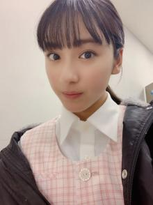 平祐奈「ちょっと緊張気味なかおしちょるねっぷぷぷ」な自撮りショット公開