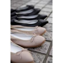 毎日でも履きたくなる、メイドインジャパンのフラットシューズ。「クルン トウキョウ」の春夏商品が素敵です♡