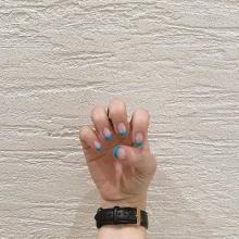 爪がのびても誤魔化せる、コスパ良しの「クリアネイル」。トレンドの透け感が夏にもぴったりなんです♡