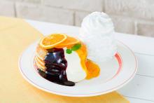 """注目はさっぱりとした""""カシスとオレンジのパンケーキ""""。「エッグスンシングス」の夏メニューが見逃せない♡"""