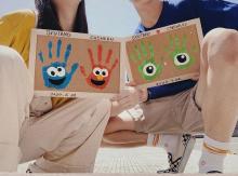 懐かしい「手形アート」が再ブーム中?友達や恋人と記念に残す人が増えてきてるってウワサ♡