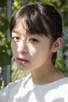 注目女優・森七菜、初写真集は352Pの大ボリューム 高校生活3年間の成長を記録