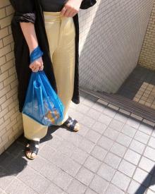この夏気になるのはサスティナブルなアイテム。JUNESの「メッシュトートバッグ」はコーデにも映えるの◎