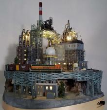 おたふく風邪がきっかけでジオラマの世界へ キット不使用手作りで生み出した幻想的な「工場夜景」