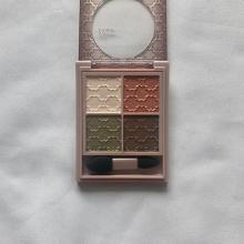 「4色パレット」がプチプラ価格でGETできる!捨て色がなくて使いやすいコスメブランド4選♡