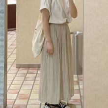 ユニクロの「ワッシャーサテンスカートパンツ」が楽なのにおしゃれ見え。これぞ夏に求めていた生地感でした◎