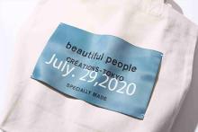 Tシャツやトートバッグのタグを好みにカスタマイズ。beautiful peopleの期間限定イベントが伊勢丹新宿店で