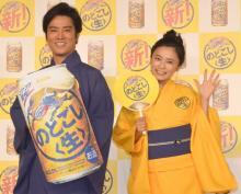 小島瑠璃子&桐谷健太、阿波おどりでノリノリ「徳島に行く気まんまん」