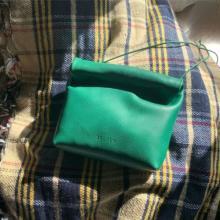 次買うなら絶対このミニバッグがいい。柔らかいレザーでフォルムがかわいすぎる「BELPER」って知ってる?
