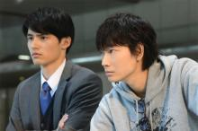 """『MIU404』星野源""""志摩""""の過去が明らかに 綾野剛""""伊吹""""は新コンビ結成?"""