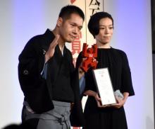 神田伯山、YouTubeチャンネルでギャラクシー賞 妻の支えに感謝「彼女の頑張りがなければ…」