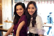 新木優子、中村アンとの密着2ショット公開「最強美女コンビ」「美人過ぎる2人」