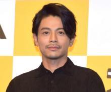 吉沢悠が新型コロナ感染で入院 「咳、背中の痛み…」PCR再検査で「陽性」確認