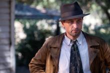 ロバート・ダウニーJr.製作総指揮の法廷ドラマ、『ペリー・メイスン』9・18配信開始