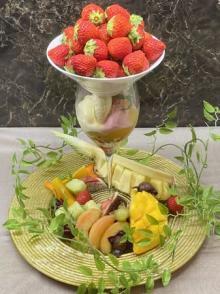 これはもうフルーツの盛りあわせ♡名古屋クレストンホテルのスペシャルパフェがゴージャス感最強なんです♩