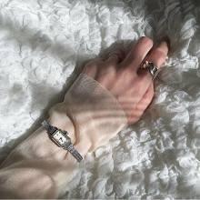 毎日使える一本、持っておきたくない?飽きのこないヴィンテージ感が魅力の「VIDA+」の時計が気になります♡