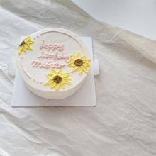 会えた時には「オーダーメイドケーキ」でとびっきりのお祝いを♡kizashiの淡色ケーキが儚いかわいさなんです
