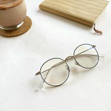 追加料金なしでレンズ変更可なんて太っ腹すぎ!今すぐJINSで「ブルーライトカットメガネ」を手に入れて♡