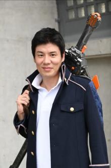 『仮面ライダーセイバー』にイクメンライダー登場 「先代の炎の剣士」役に平山浩行