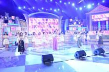 """AKB""""神7""""の4人が現役メンバーと生歌唱 前田敦子「みなさんにも楽しんでいただけたら」"""
