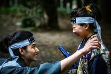 山崎賢人、決闘前に優しい笑顔見せる… 映画『狂武蔵』冒頭映像解禁