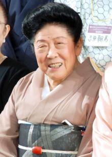 漫才師・内海桂子さん死去 97歳 女流漫才の草分け