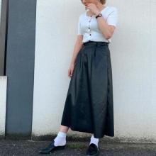 GUわかってる…そうそう、きれいめレザースカートがプチプラで欲しかった♡ダークブラウンが1番人気との噂◎