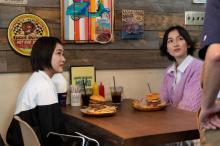 『女子グルメバーガー部』第10話はピリ辛ソースの絶品バーガーが登場