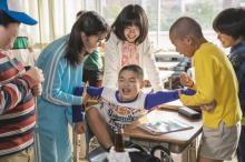 『浦安鉄筋家族』撮影協力の浦安市へ恩返し 小学校に遊具を贈る企画が発動
