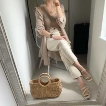 ビミョーな気温のいまの時期、何を着ればいいの…?トレンドを意識しながら涼しく着られる「秋アイテム」特集◎
