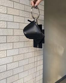 この秋欲しいミニバッグ部門1位かも…♡「OSOI」のBANGLERINGがおしゃれさん注目の秋バッグって噂♪