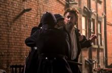 映画『博士と狂人』ショーン・ペンの狂気漂う冒頭映像解禁