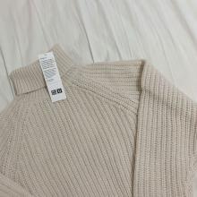 ユニクロ大本命セーターはこれ♡着膨れしない絶妙シルエットの「ローゲージタートルネック」はマスト買いかも◎