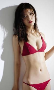 『キラメイジャー』ヒロイン・工藤美桜、超絶スレンダーボディで魅了 デジタル写真集発売
