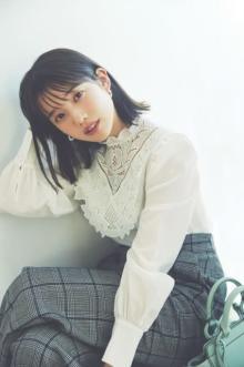 """弘中綾香アナ、ファッション&メイクの""""7つのルール""""紹介"""